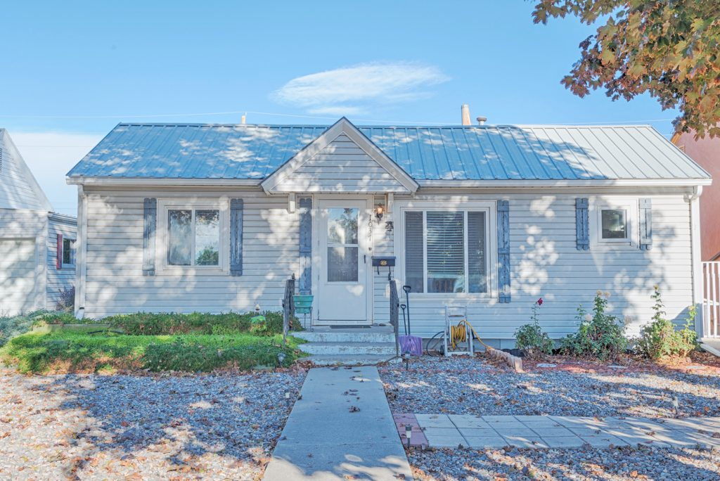 1037 N 1st St Montrose, Colorado 81401 Home for Sale Zoned Office and Residential - Atha Team Real Estate
