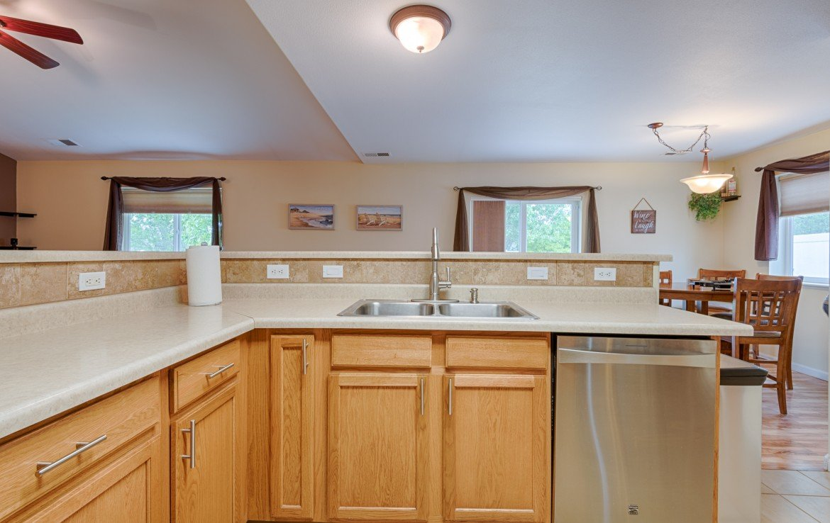 Open Kitchen - 1023 Deer Trail Montrose Real Estate - Atha Team