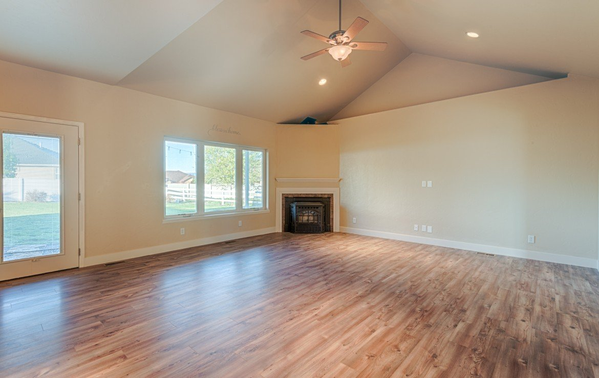 Home for Sale with Pellet Stove and Vaulted Ceilings - 1828 Senate St Montrose, CO 81401 - Atha Team Real Estate