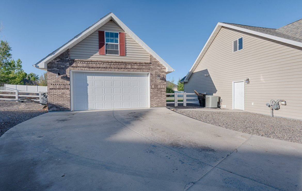 Home for Sale with 2 Car Detached Garage - 1828 Senate St Montrose, CO 81401 - Atha Team Real Estate