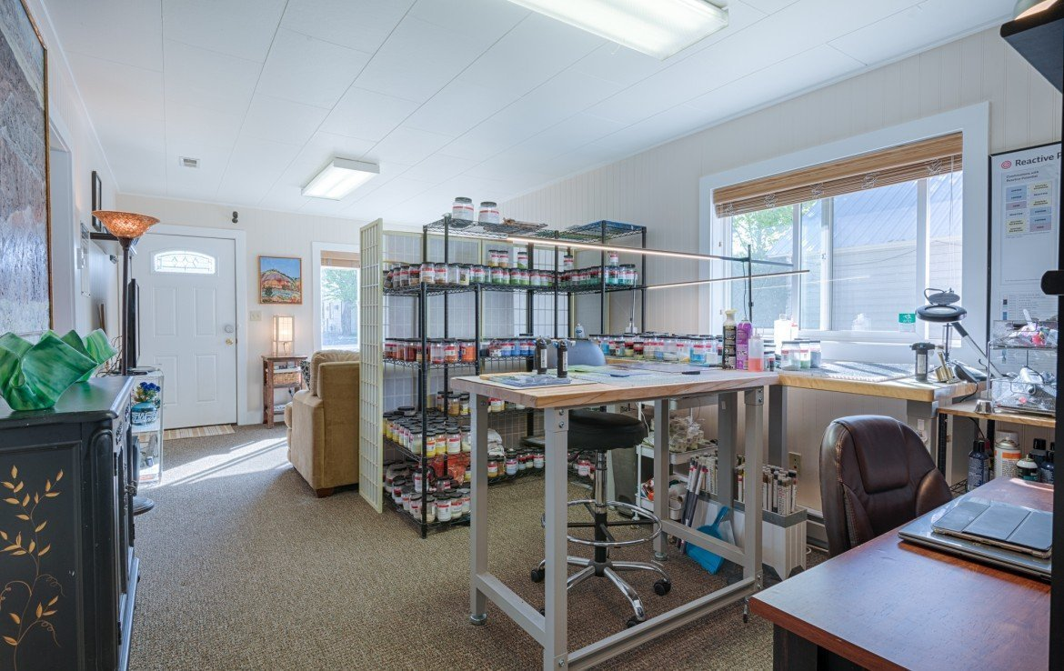 Commercial Work Space - 21 N Junction Ave Montrose, CO 81401