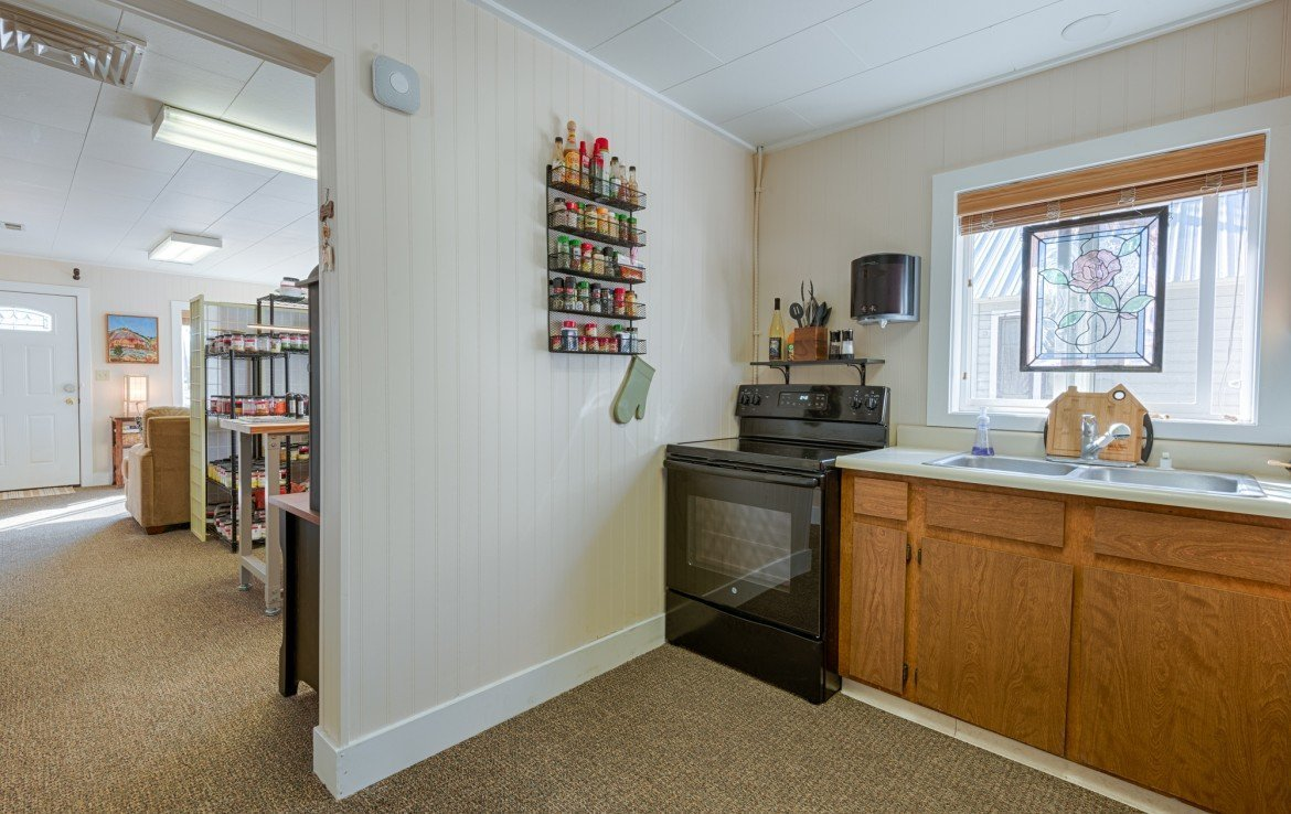 Kitchen with Appliances- 21 N Junction Ave Montrose, CO 81401