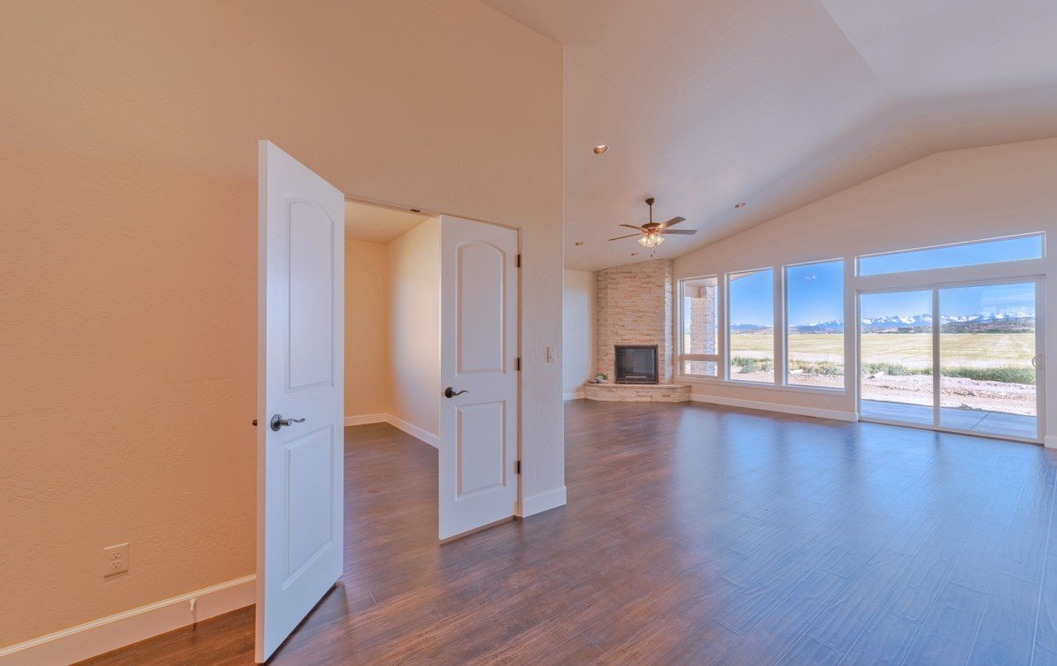 Cobble Creek Golf Home for Sale with Fireplace - 926 San Sophia Dr Montrose, CO 81403