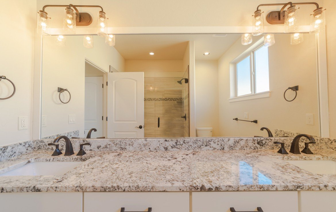 Cobble Creek Golf Home for Sale with Dual Sinks in Bathrooms- 926 San Sophia Dr Montrose, CO 81403