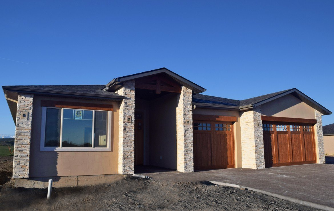 Cobble Creek Home with Covered Entry Way -926 San Sophia Dr Montrose CO 81403 - Atha Team Realtors