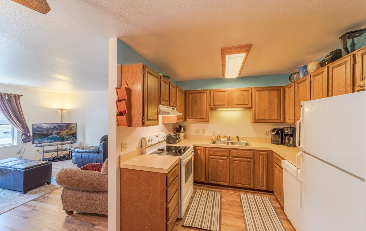 Generous Kitchen Storage - 535 S 11th St, Montrose, CO 81401 - For Sale – Atha Team Real Estate