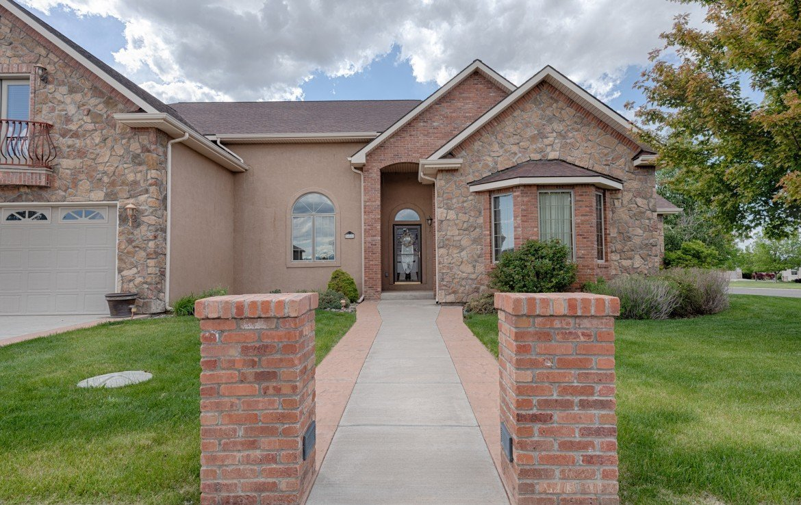 Cobble Creek Home for Sale - 555 Collins Way Montrose, CO. 81403 - Atha Team at Keller Williams