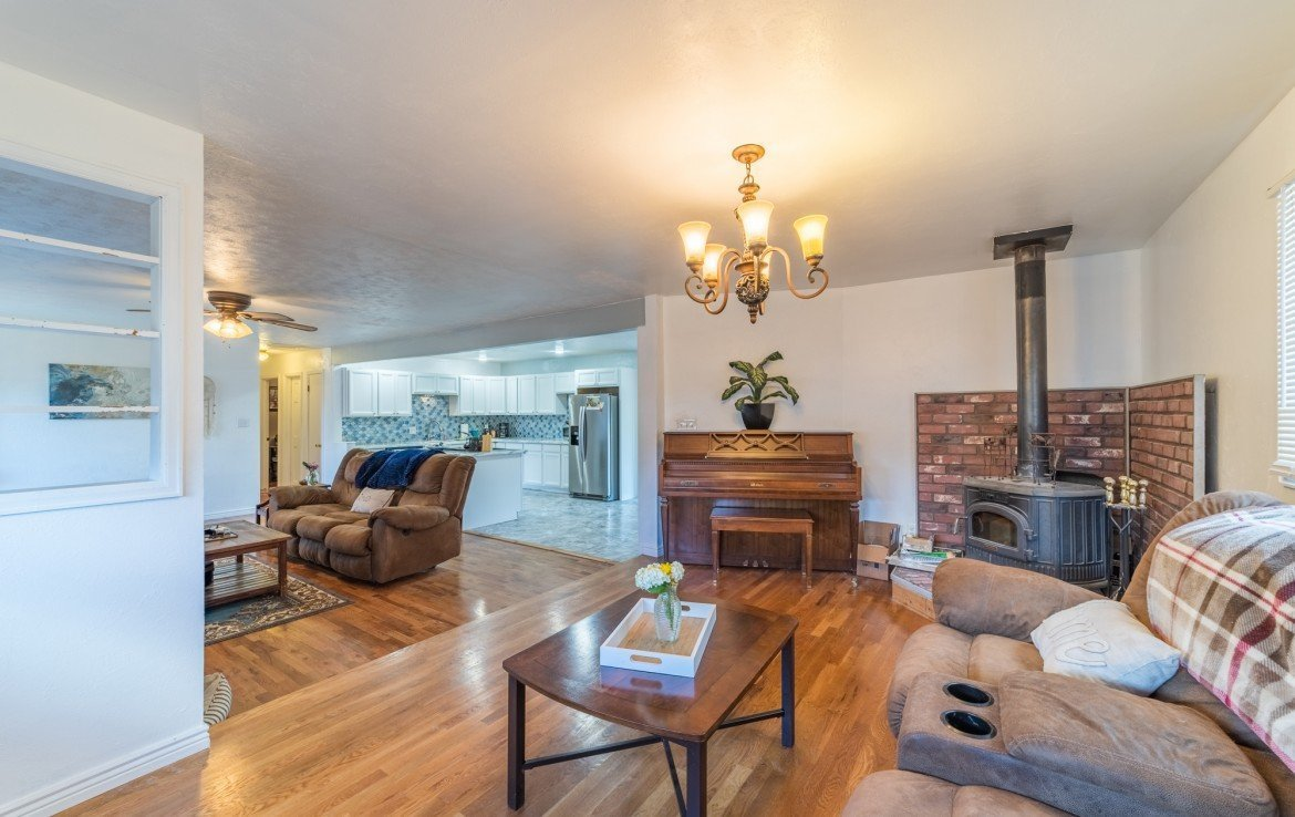 Bonus Living Room/Den with Fireplace - 310 Pine View Dr Montrose, CO 81401
