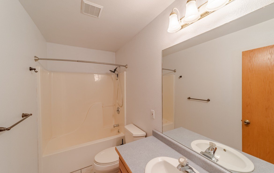 Upstairs Bathroom - 21561 Government Springs Rd Montrose, CO - Atha Team Realty