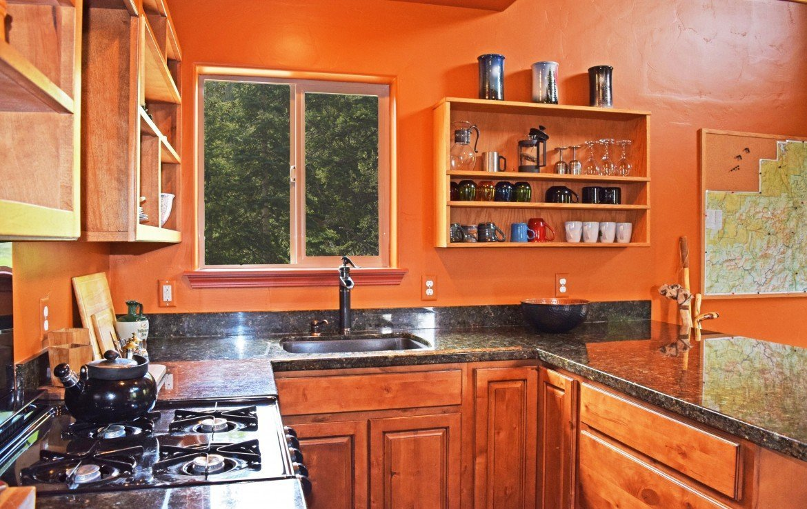 Cabin with Full Kitchen - 477 County Road 31 Ouray, CO 81427 - Atha Team Real Estate