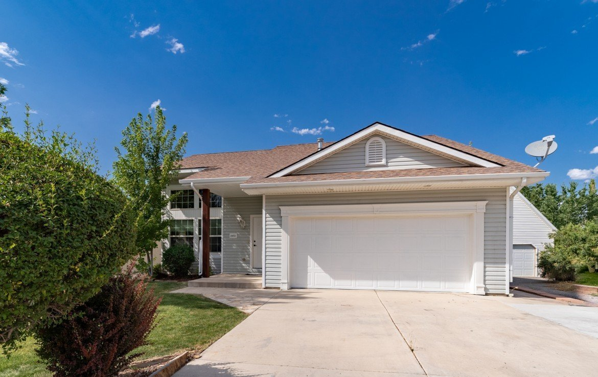 Home for Sale with 2 Car Garage - 2051 Cherry St Montrose, CO - Atha Team Real Estate Agents