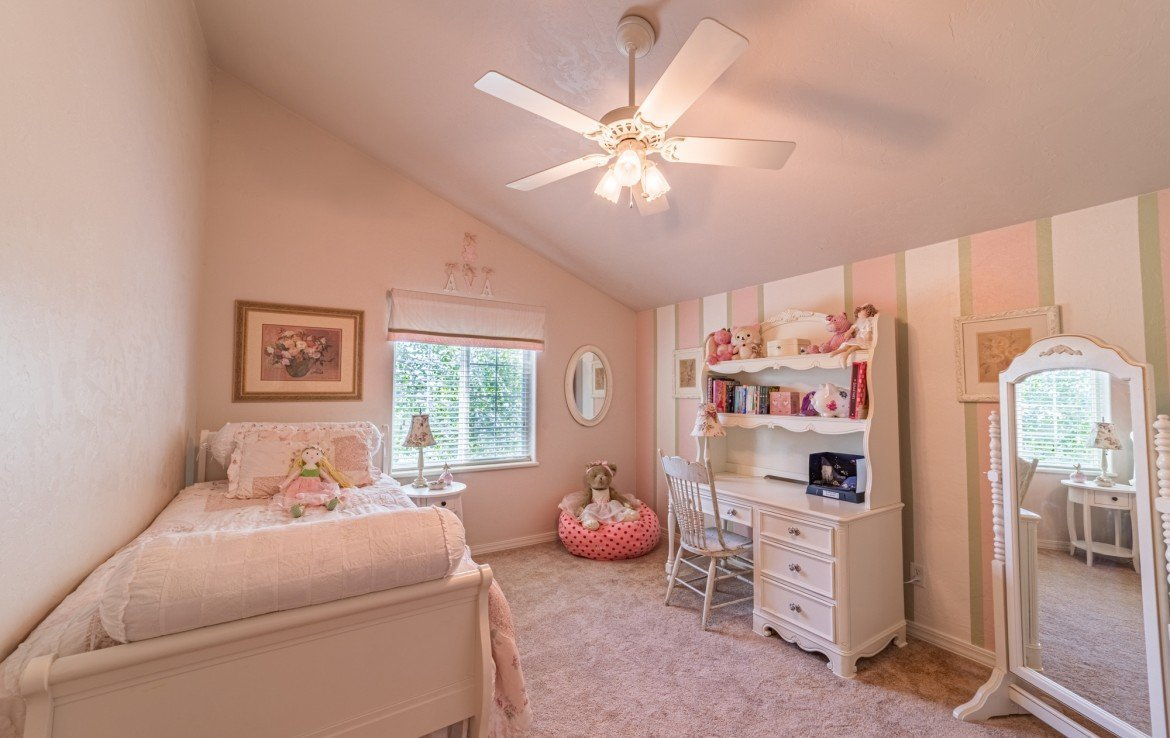 Upstairs Bedroom - 3208 Silver Fox Dr Montrose CO 81401 - Atha Team at Keller Williams