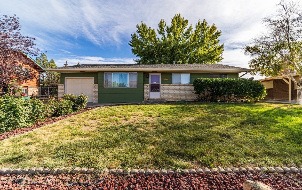 Newly Landscaped Property for Sale - 1717 Dover Rd Montrose, CO 81401 - Atha Team Real Estate for Sale