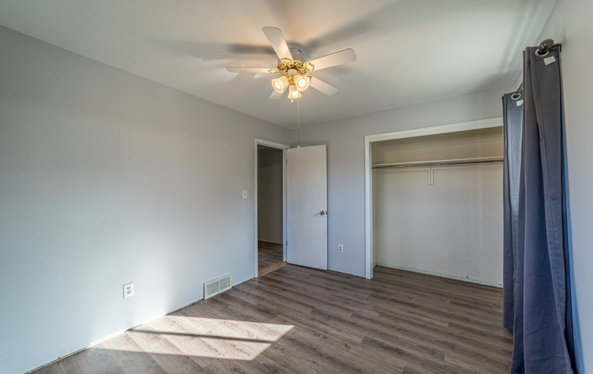 2nd Bedroom with Large Closet - 1717 Dover Rd Montrose, CO 81401 - Atha Team Real Estate for Sale