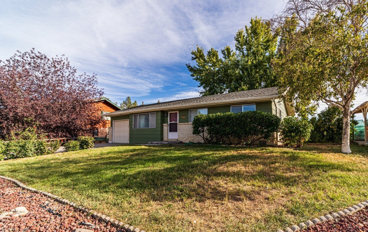 Updated Home for Sale - 1717 Dover Rd Montrose, CO 81401 - Atha Team Real Estate for Sale