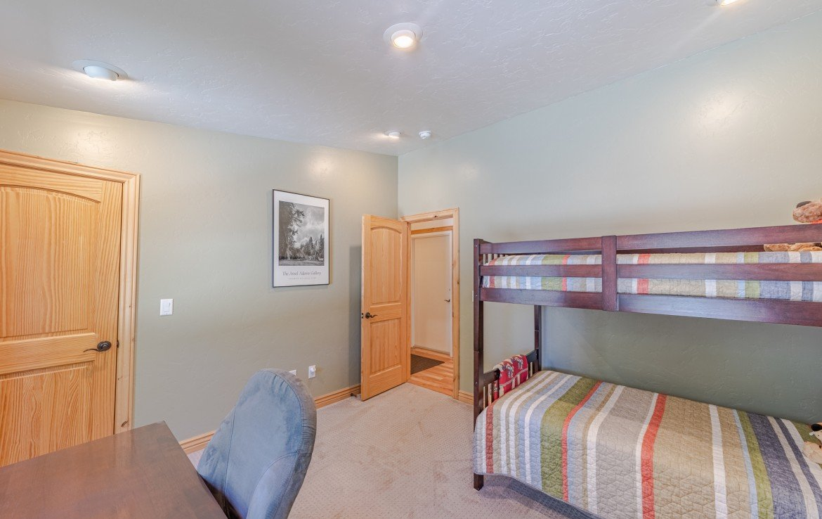 Bedroom Carpet - 181 S. Lena St #D Ridgway, CO 81432 - Atha Team Colorado Real Estate