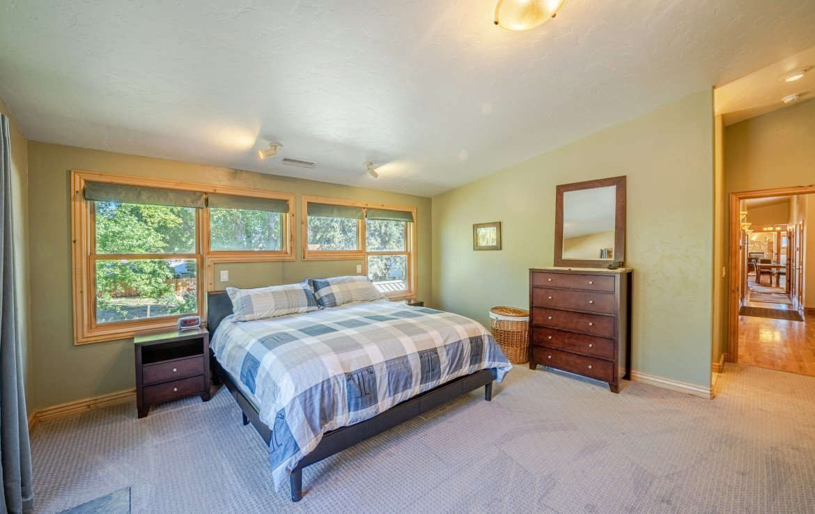 Master Bedroom with New Carpet- 181 S. Lena St #D Ridgway, CO 81432 - Atha Team Colorado Real Estate