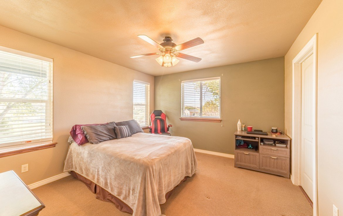 Guest House 1 Bedroom - 21835 Government Springs Rd - Atha Team Realty Montrose Colorado