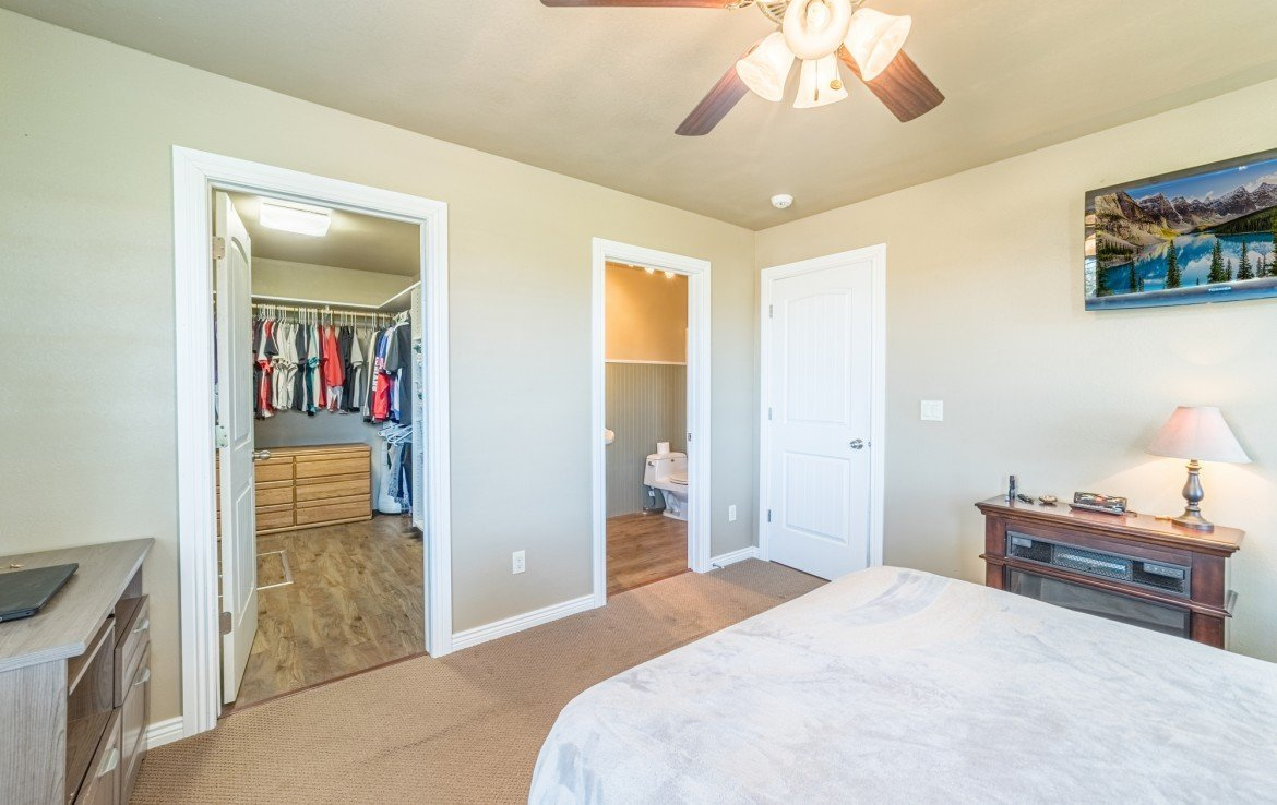 Guest House 1 Bedroom Walk In Closet - 21835 Government Springs Rd - Atha Team Realty Montrose Colorado