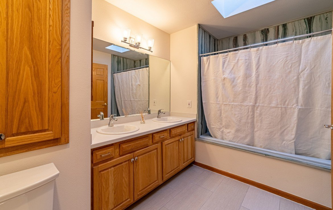 Master Bathroom - 430 Pinecrest Dr Ouray, CO 81427 - Atha Team Realty