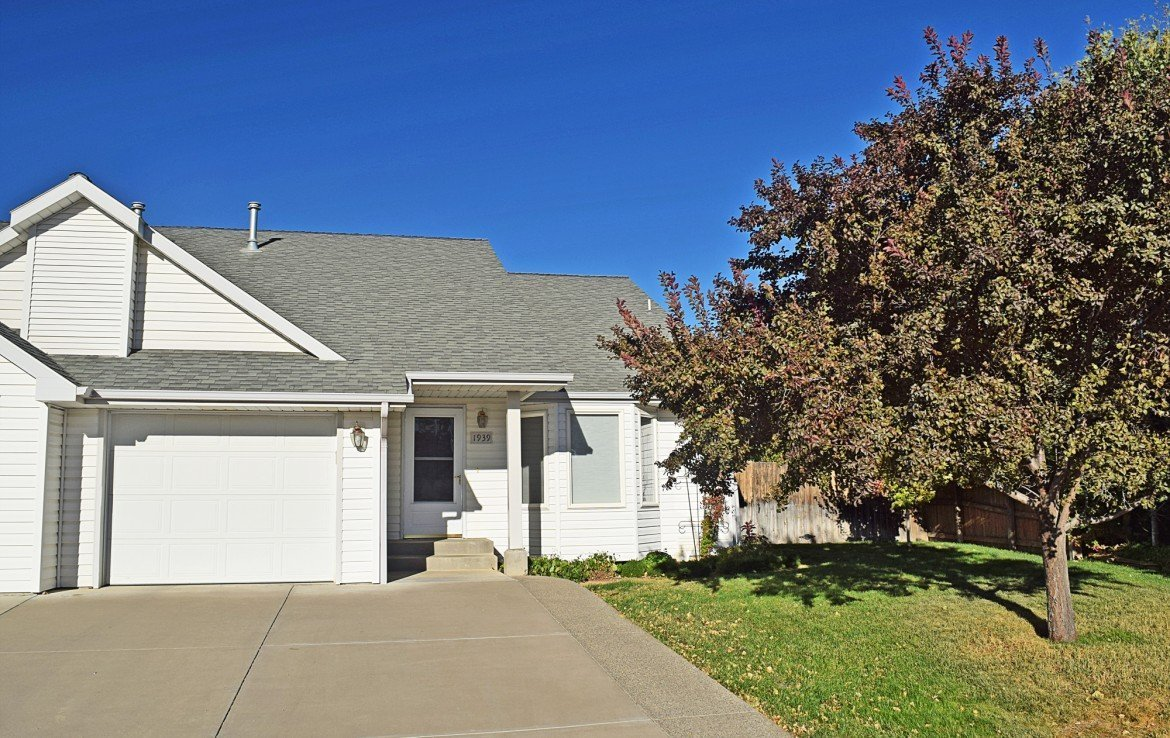 Townhome for Sale with Attached Garage - 1939 White House Dr, Montrose, CO - Atha Team Realty