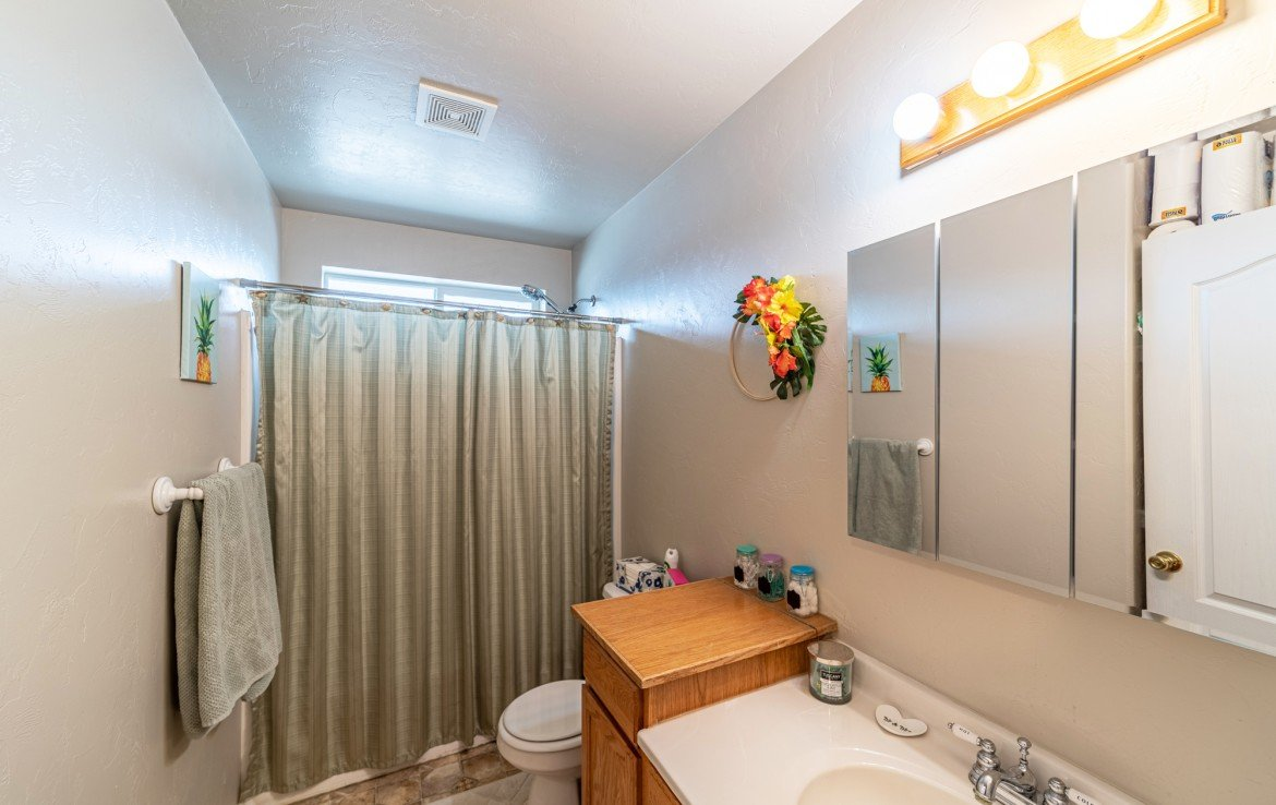 Full Bathroom with Tile Flooring - Atha Team Realty Agents at Keller Williams