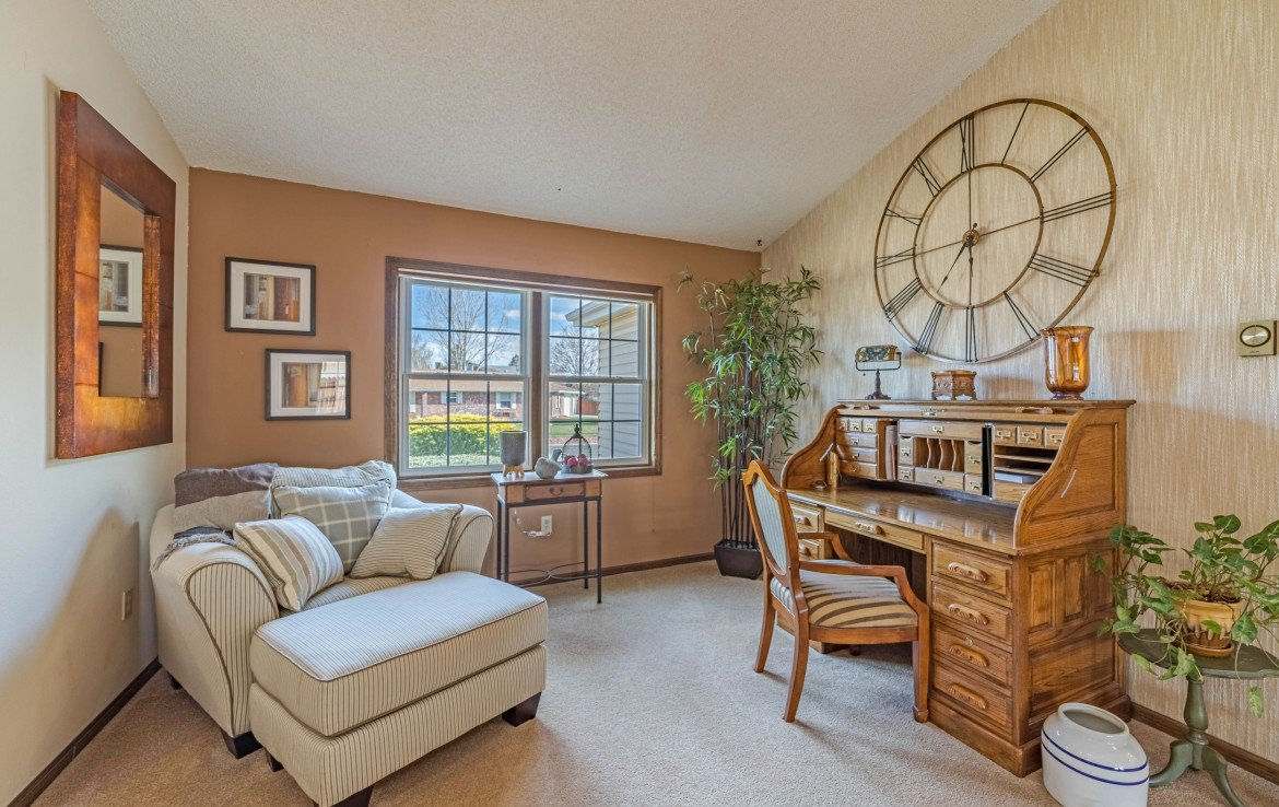 Office Nook - 1649 Hermosa St Montrose, CO 81401 - Atha Team Real Estate
