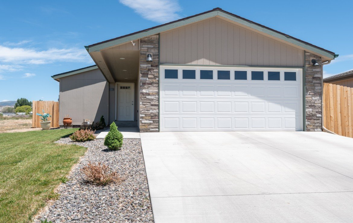 Home for sale attached garage - 121 Castle Ave Montrose CO - Atha Team Property