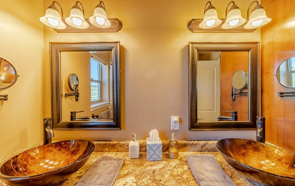 Master Bathroom with Dual Sinks - 413 Alta Lakes Ave Montrose, CO - Atha Team Realty