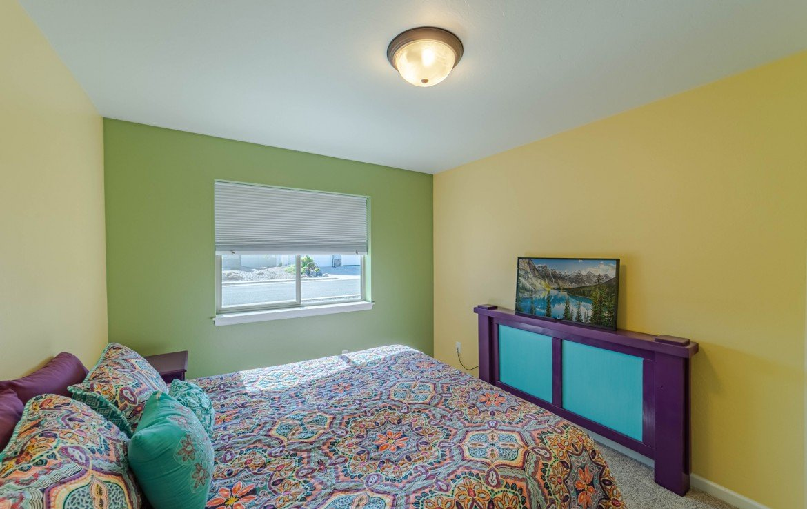 Bedroom with Window - 413 Alta Lakes Ave Montrose, CO - Atha Team Realty