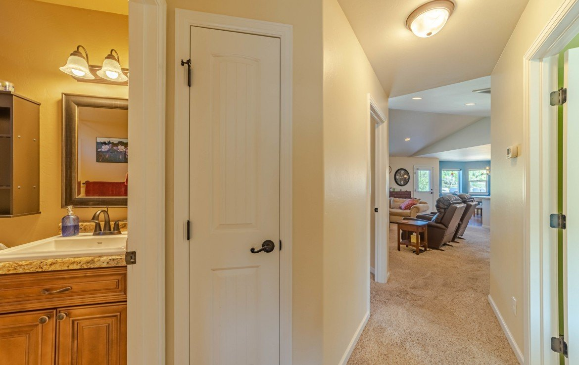 Hallway to Living Room - 413 Alta Lakes Ave Montrose, CO - Atha Team Realty