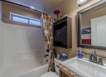 Guest Bathroom - 413 Alta Lakes Ave Montrose, CO - Atha Team Realty