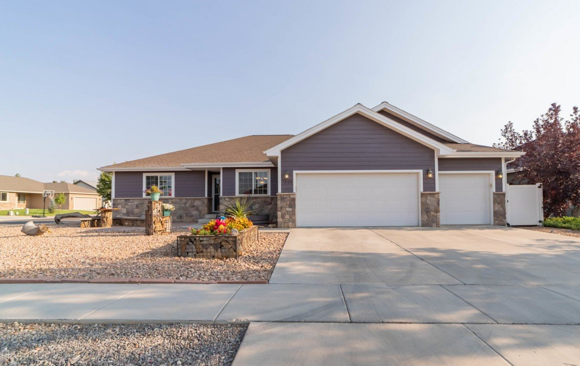 Waterfall Canyon Home for Sale on Corner Lot - 1300 Gold Creek Montrose, CO 81403 - Atha Team Property for Sale