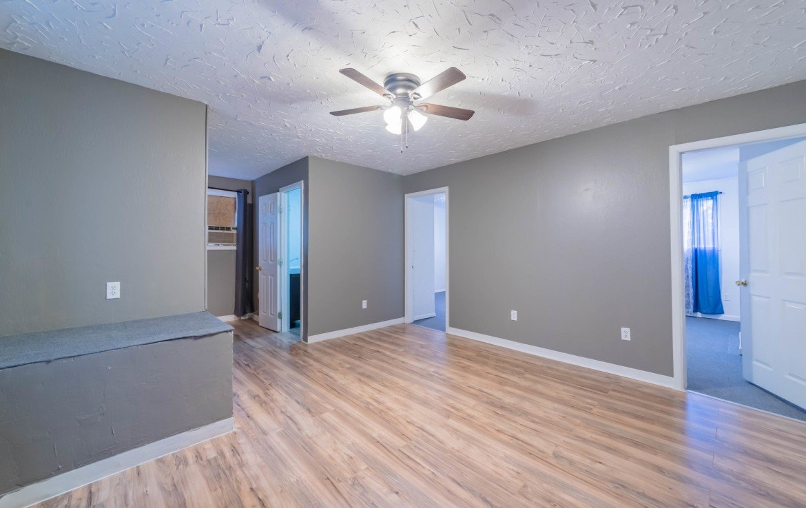 Family Room with Ceiling Fan - 1116 N 1st St Montrose, CO 81401 - Atha Team Real Estate Agents