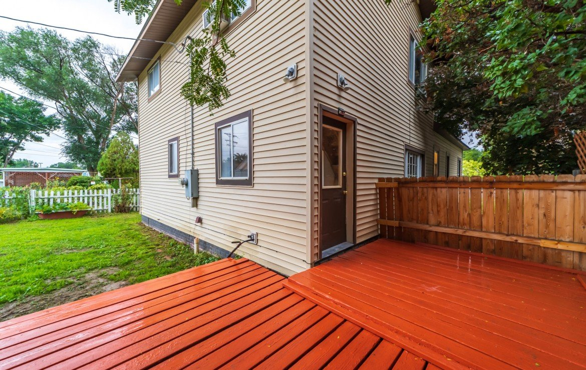 Painted Back Deck - 1116 N 1st St Montrose, CO 81401 - Atha Team Real Estate Agents