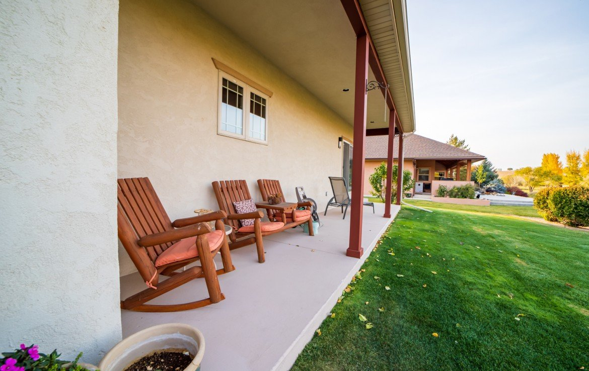 Covered Back Patio - 3865 Grand Mesa Dr Montrose, CO 81403 - Atha Team Realty