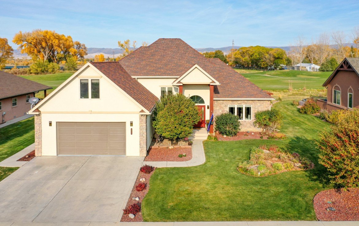 Aerial View of Front of Home - 3865 Grand Mesa Dr Montrose, CO 81403 - Atha Team Realty
