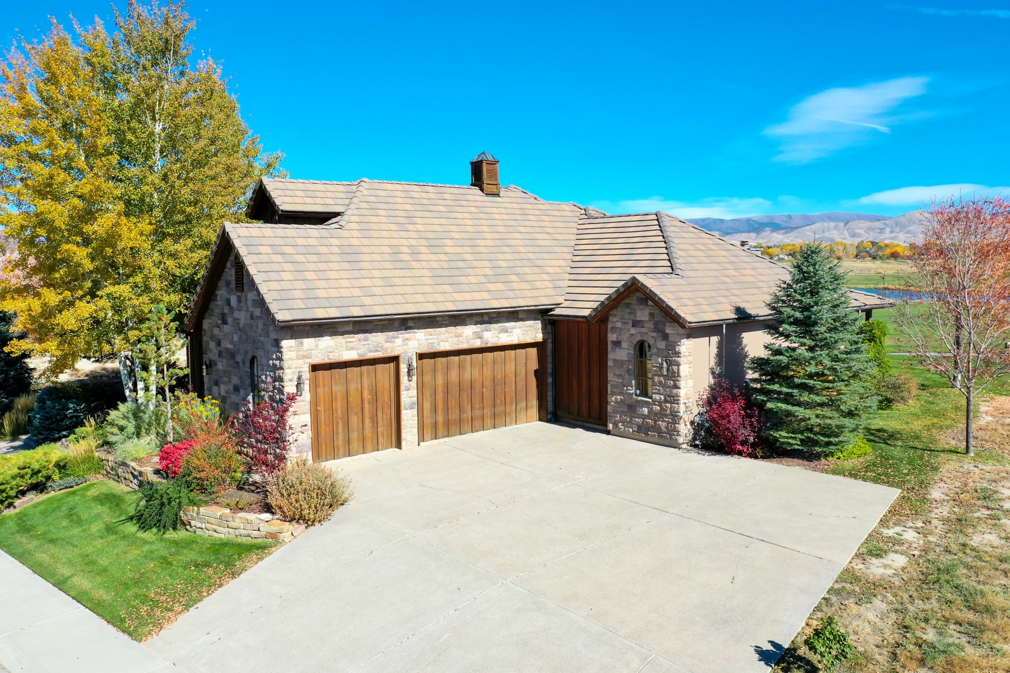Attached 3 Car Garage - 2839 Sleeping Bear Rd Montrose, CO 81401 - Atha Team Luxury Real Estate