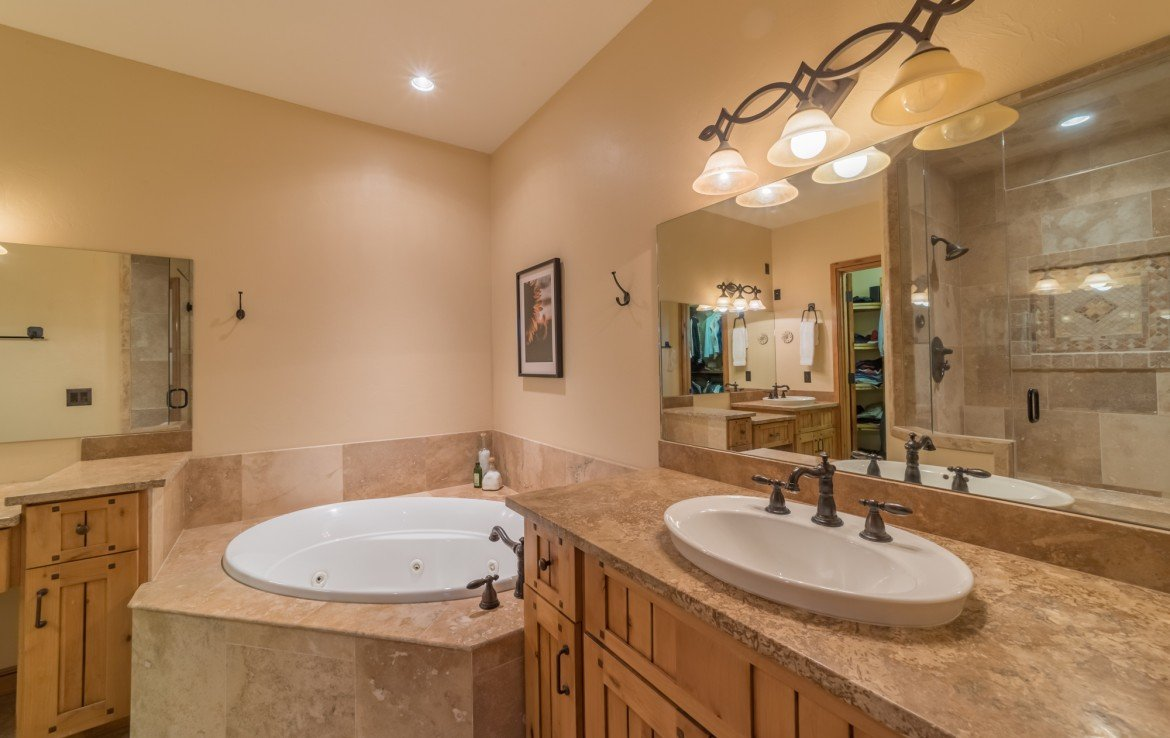 Master Bathroom with Jetted Tub - 2839 Sleeping Bear Rd Montrose, CO 81401 - Atha Team Luxury Real Estate