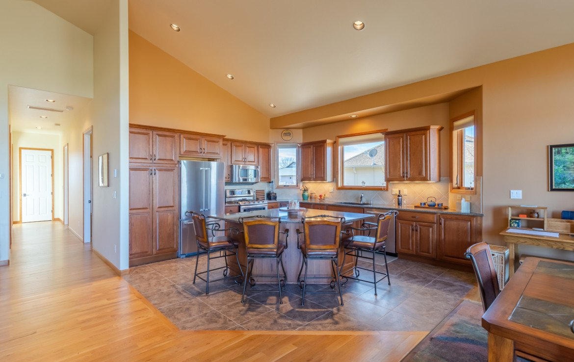 Island Seating and Kitchen - 491 Collins Way Montrose, CO 81403 - Atha Team Listing