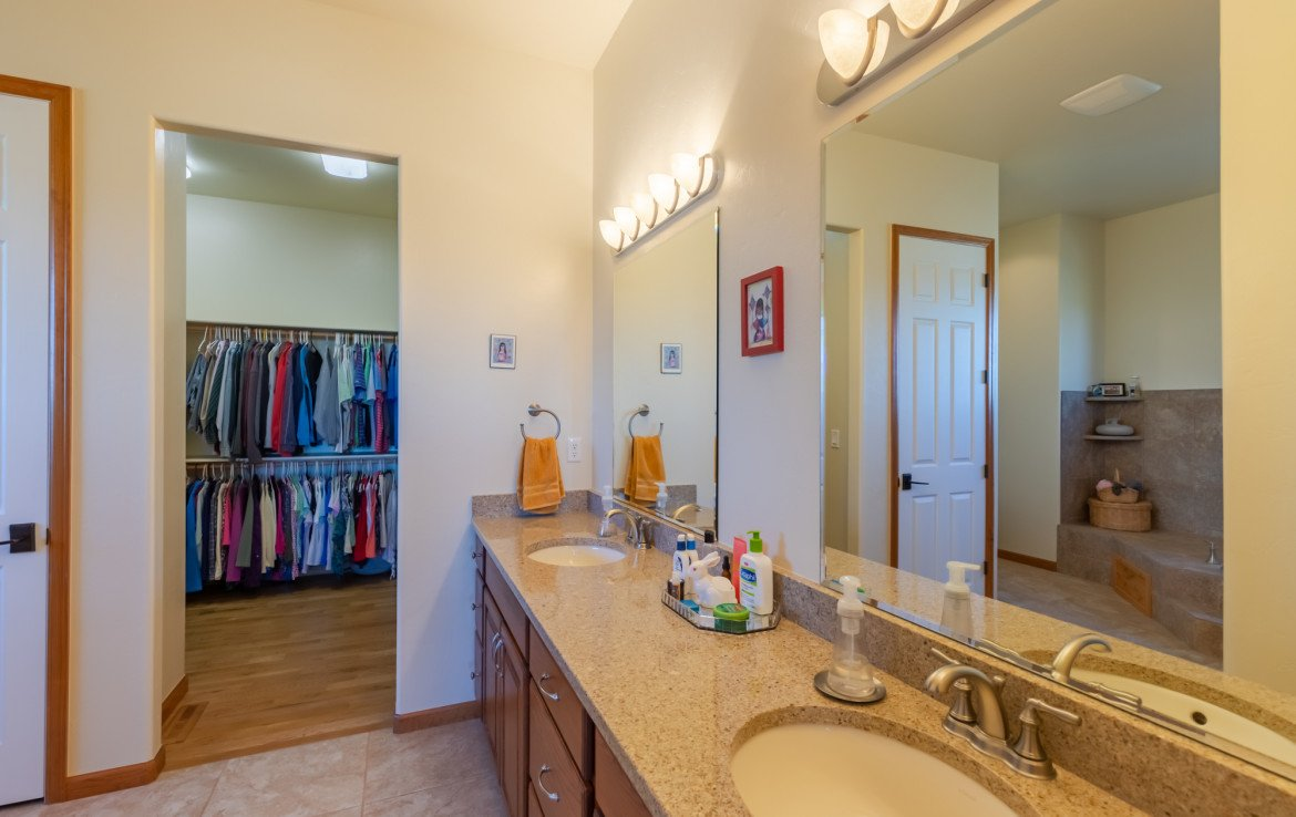 Master Bathroom with Dual Sinks - 491 Collins Way Montrose, CO 81403 - Atha Team Listing