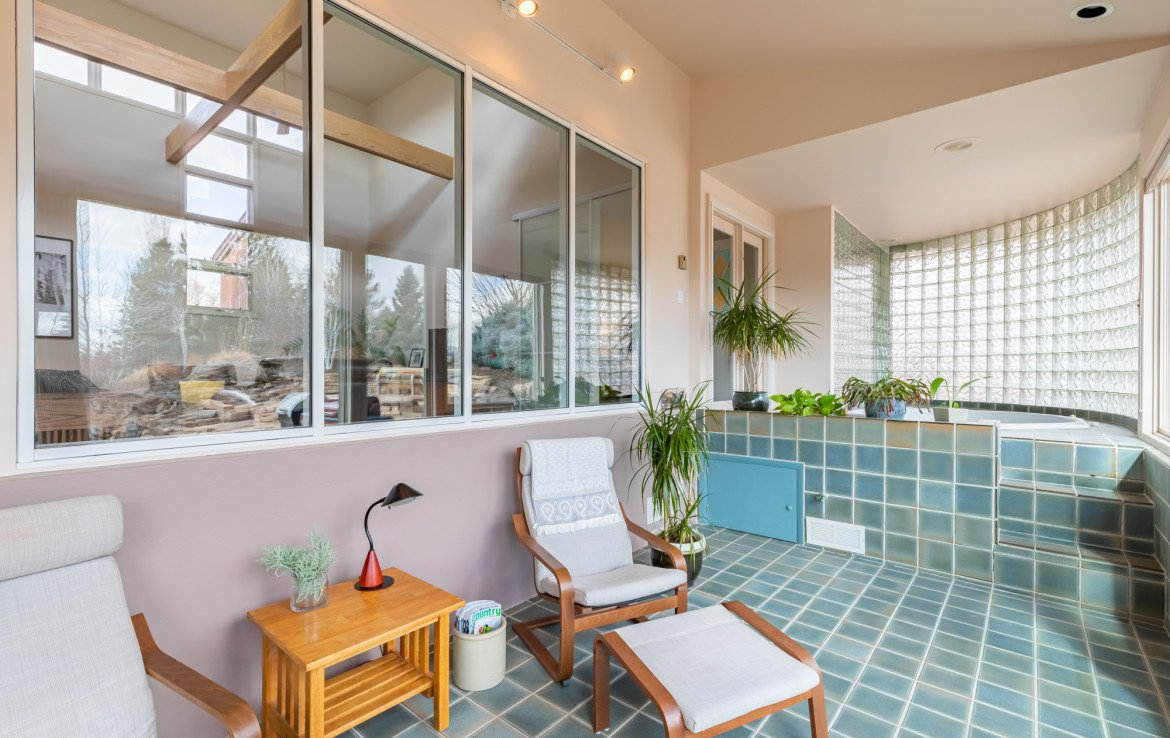 Sun Room Seating - 1690 Solar Ct Montrose, CO 81401 - Atha Team Residential Real Estate