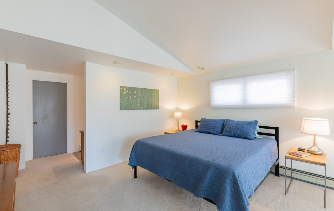 Master Bedroom with Vaulted Ceiling - 1690 Solar Ct Montrose, CO 81401 - Atha Team Residential Real Estate