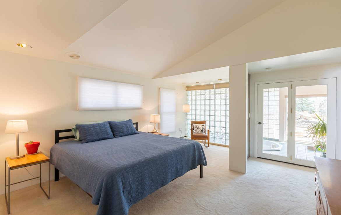 Master Bedroom with Seating Area - 1690 Solar Ct Montrose, CO 81401 - Atha Team Residential Real Estate