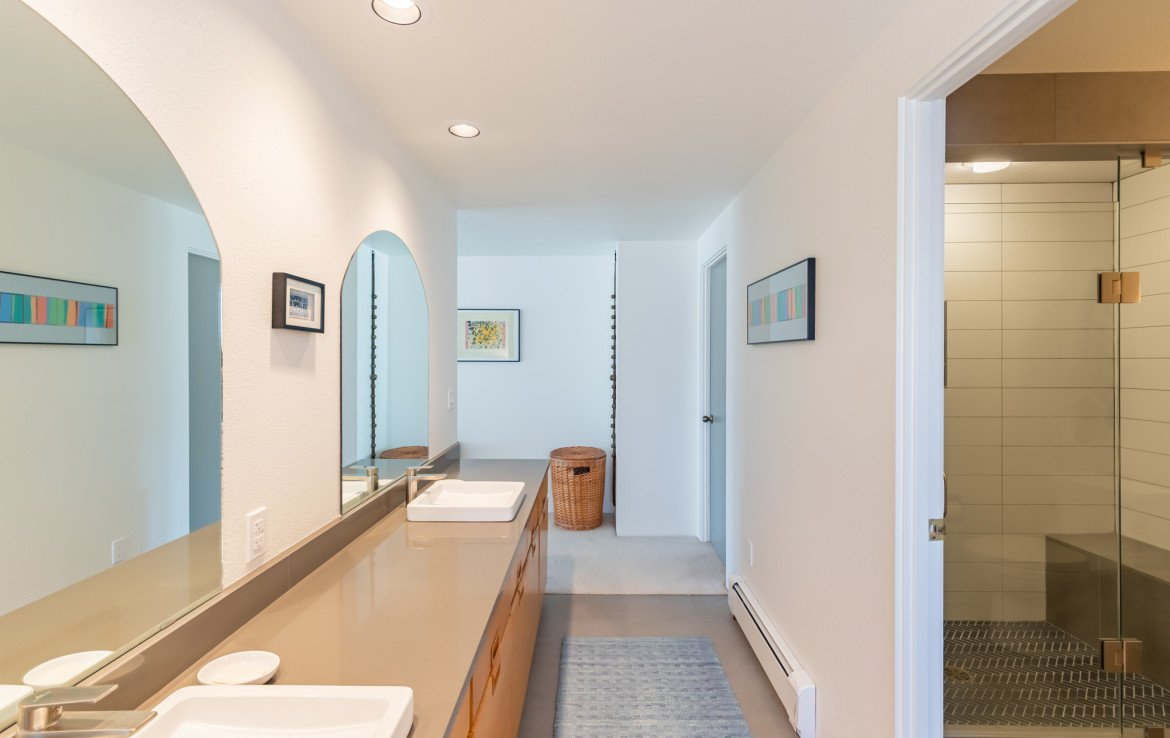 Master Bathroom with Dual Sinks - 1690 Solar Ct Montrose, CO 81401 - Atha Team Residential Real Estate