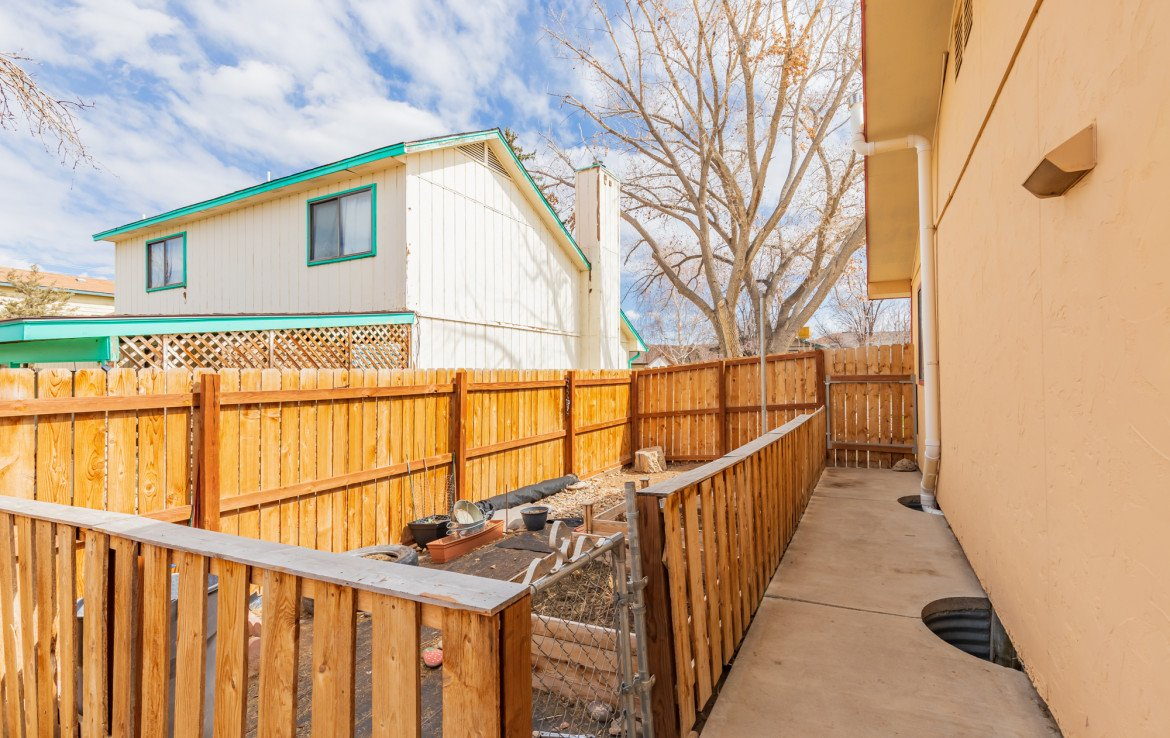 Cross fenced garden area - 1639 6422 Rd Montrose, CO - Atha Team Real Estate Listing