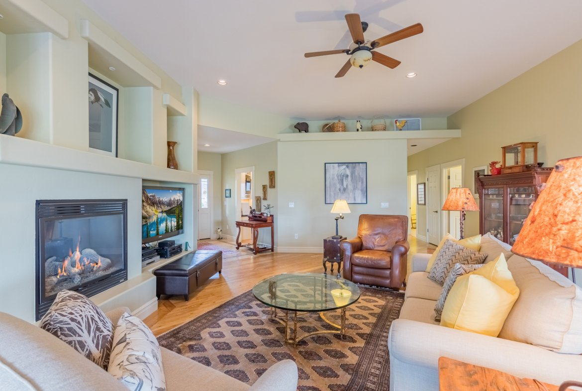 Living Room with Ceiling Fan - 640 Badger Court Montrose, CO 81403 - Atha Team Real Estate Agents