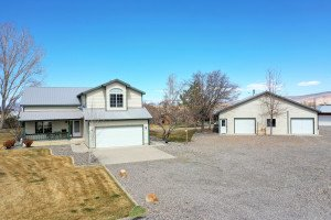 Country Home and Acreage for Sale - Atha Team Residential Real Estate