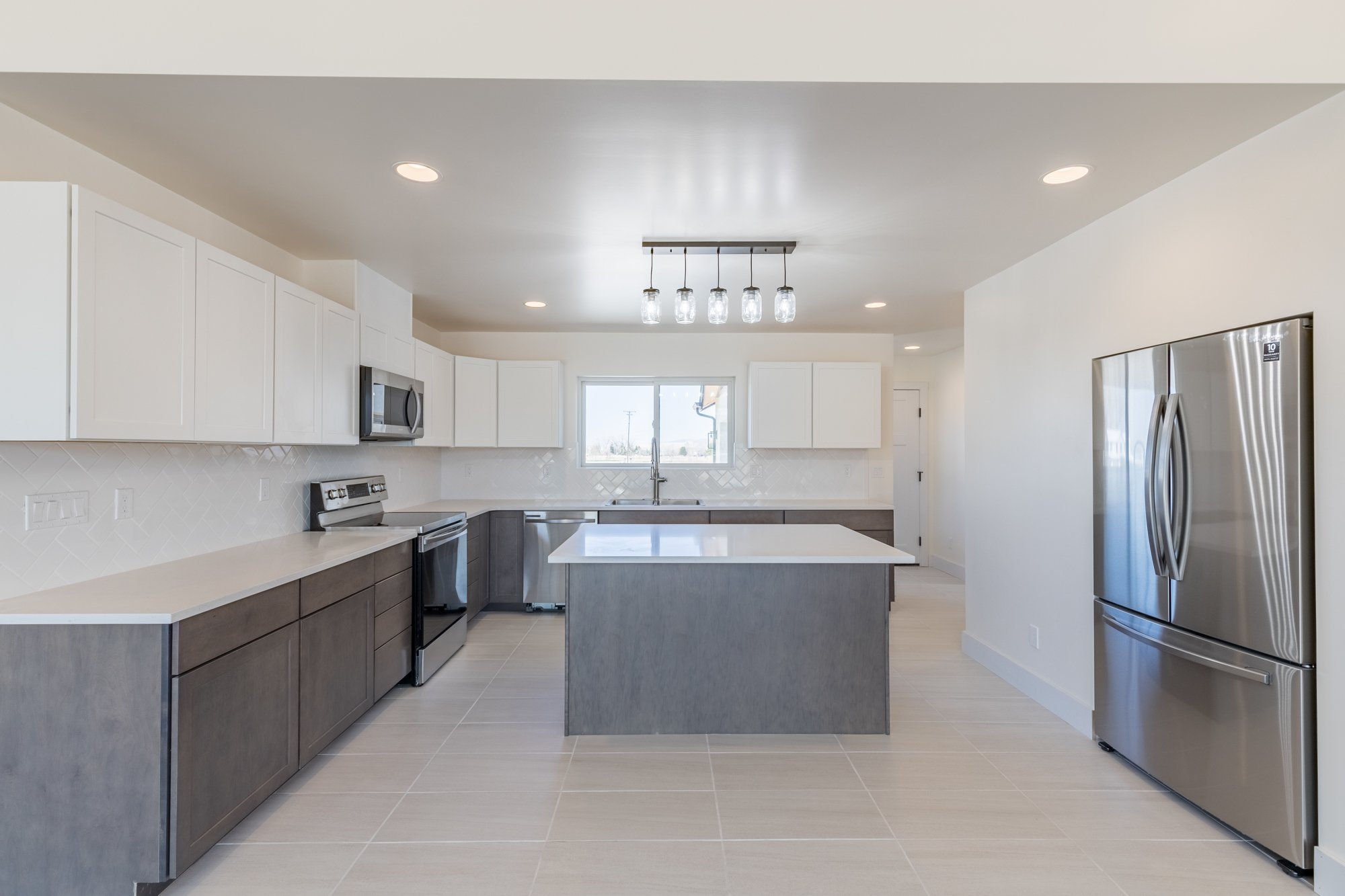 Custom Kitchen with Center Island - TBD Highway 550 Montrose, CO 81403 - Atha Team New Construction Real Estate