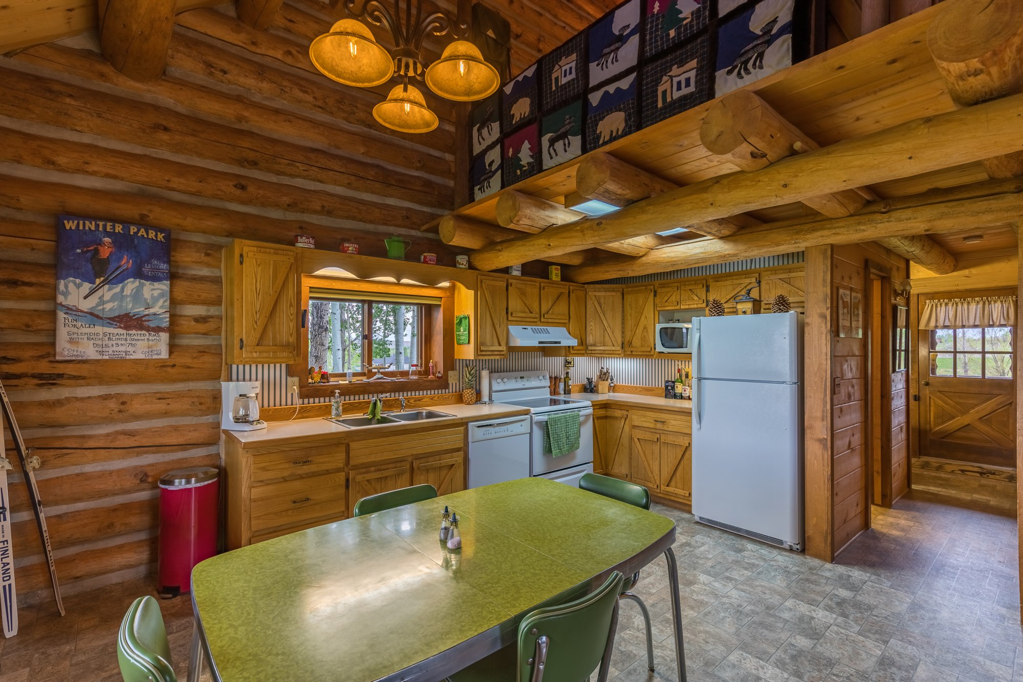 Cathedral Ceiling - 21770 Uncompahgre Rd Montrose, CO 81403 - Atha Team Country Real Estate